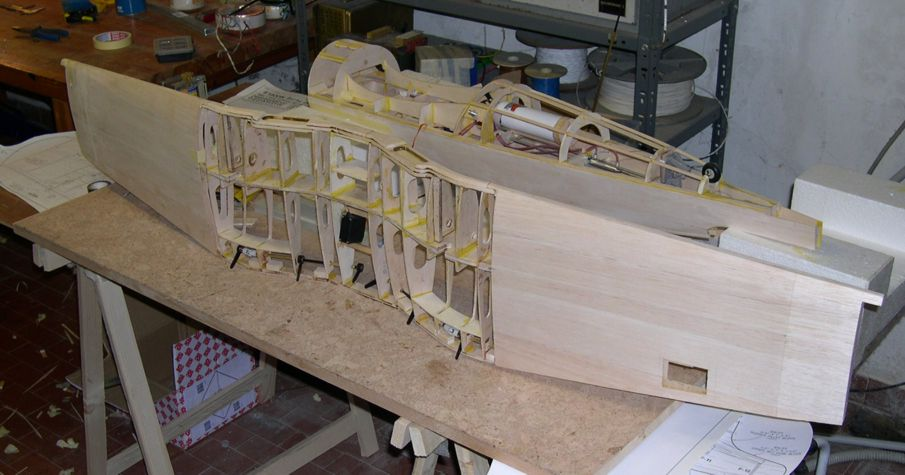 Top Flite Giant Corsair Kit Build