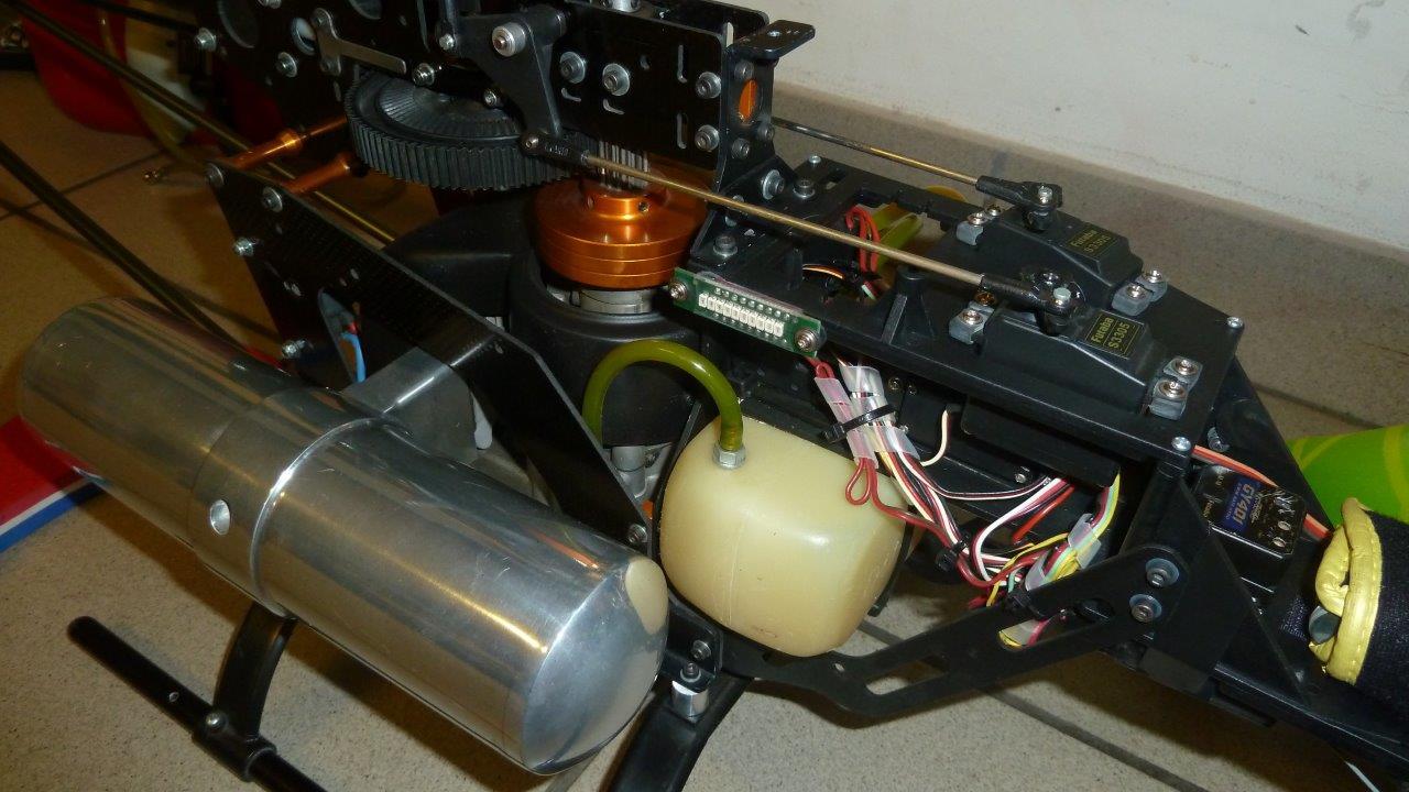 Elicottero A Benzina : Vendo o permuto elicottero a benzina cell gas
