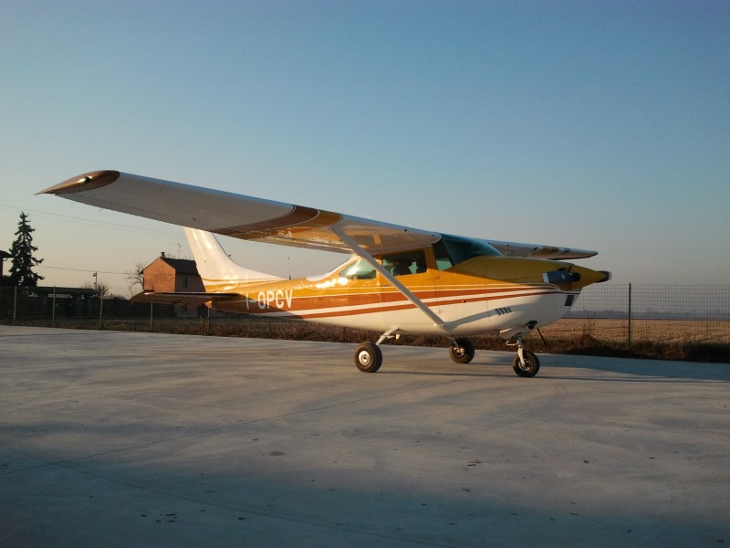 Cessna 182 230hp