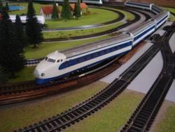 Trenini Elettrici E Plastico F